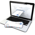 e-mail courrier à travers un ordinateur