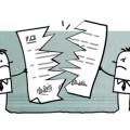 dessin deux bonhommes mécontents déchirent un contrat